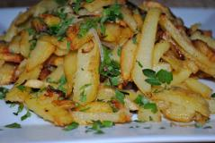 картофель по домашнему с луком