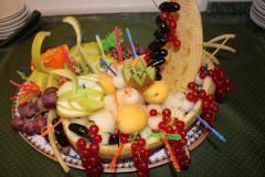 Ладья из фруктов